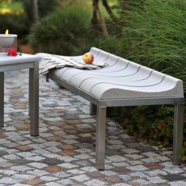 Bænk - Granicium® og rustfri stål - Denk Design