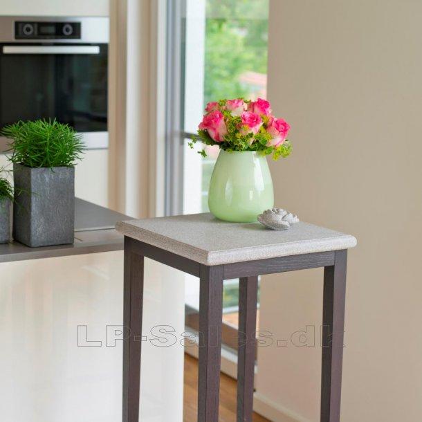 Bord, høj - Granicium® og wengefarvet eg - Denk Design