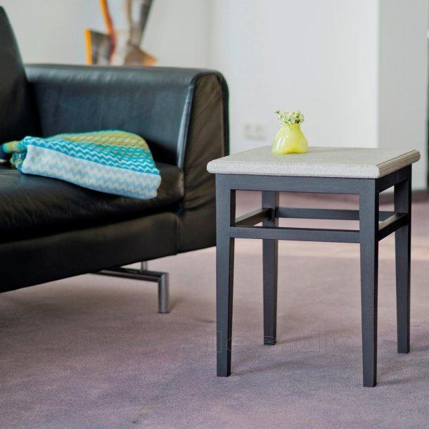 Bord, lav - Granicium® og wengefarvet eg - Denk Design