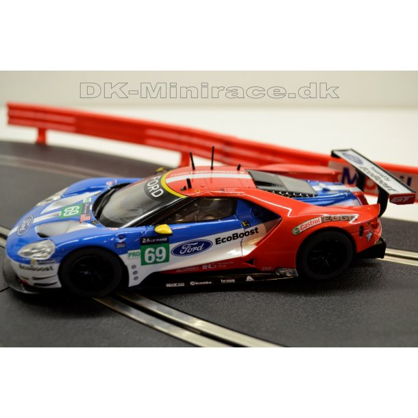 Ford GT - GTE no 69 - Scalextric C3858