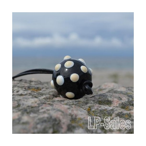 Halssmykke - rustical - sort/hvid knop - Nr 01