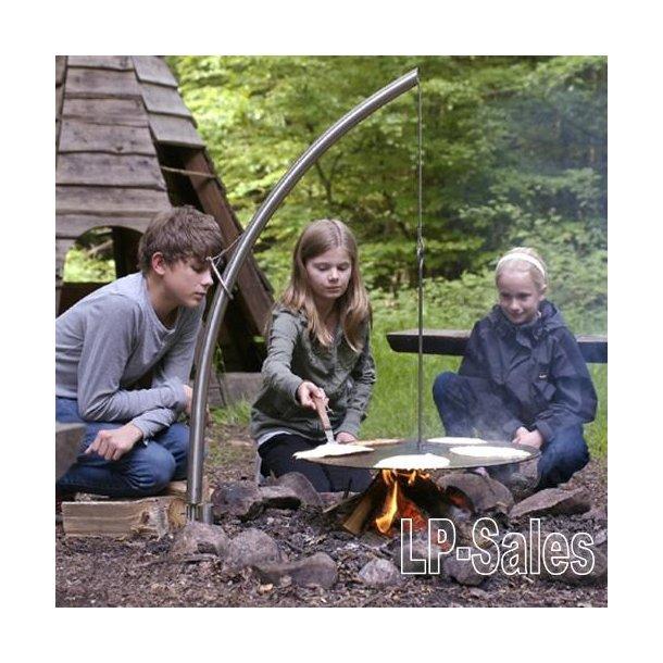 Campfire 2 - jordspyd m. arm og vikingepande